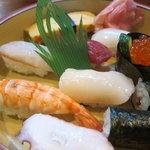 新月寿司 - ランチにぎり