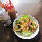 CoCo壱番屋 - 先ずは、イカサラダ 380円なり!揚げたてのイカはプリッとして美味しいし、サラダにも合うと思う