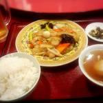 41822063 - 八宝菜定食880円