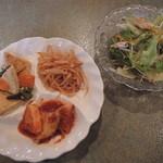 百帝園 - ランチ定食のナムルとサラダ