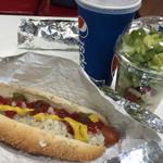 コストコ - ホットドッグとサラダ