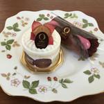 オノ - スプーンで食べるショートケーキ(秋のある日はぶどうでした)、オノレット