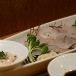 HALE海'S - 大分県産カワハギの刺身 肝とすだちと土佐醤油 1,000円
