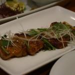 HALE海'S - アジアンポークとアスパラガスの串焼き スパイシー味噌バターソース(金賞受賞作品) 1p 420円