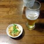 旬菜厨房 恵比須屋 - アルコールにつく無料のお通し、この日は和風麻婆豆腐