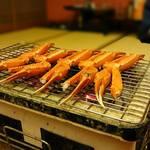 川口屋リバーサイドホテル - 料理写真:紅ずわい蟹(香住蟹)の炭火焼