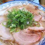 元祖赤のれん節ちゃんラーメン - チャーシュー麺700円。