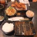 とんかつ マンジェ - 「ひとくちかつ定食」(1,060円込み)(2015年9月)。これは、特にお気に入りの定食になりました。安くて美味い。(^^)