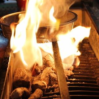 さつま知覧鶏いぶし焼き。炭の香りと歯ごたえを