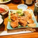 41842053 - 鶏と魚の唐揚げとお刺身盛合せ(980円)
