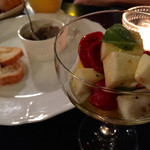ソファリ - 手作りドライトマトとモッツレラチーズマリネ