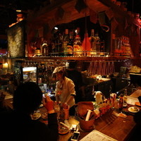 パッカーズ ピッツァ マニア - メキシカンな内装に、陽気な音楽♬