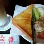 マザーグース - 料理写真:モーニング ハムエッグ