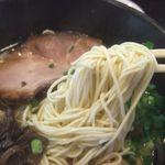 41847224 - 麺は低加水博多麺。伸びません。