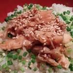 41847749 - 鮭ハラス丼+桜えび天そば
