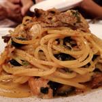 カフェ ジ エンド - 牡蠣とほうれん草のクリームパスタ