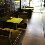 SUZU CAFE グランドタワー - テーブル席