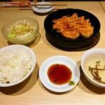 小倉鉄なべ餃子 - 鉄なべランチ 570円(税込)