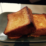 41852794 - フレンチトースト。こちらもふわふわで美味しいです。