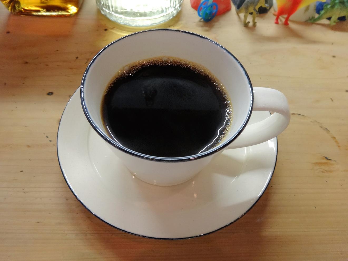 コーヒーアンドバインダリ ジジ