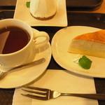 カフェ カリン - ミルクレープと紅茶