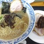 松 - チャーシュー麺です。
