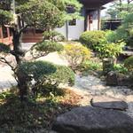 窯元カフェ はづき - 中庭
