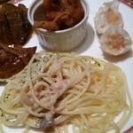レストラン イル・ペペ - サーモンクリームパスタと温菜類