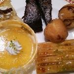 レストラン イル・ペペ - スイーツ盛り合わせ………アップ