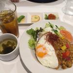 チャートイン カフェ - 休日のライスセット・ガパオライス