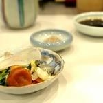 とん唐てん - 漬物&ひじき塩&ソース