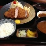 41867540 - 六白黒豚ロース定食