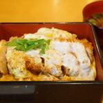 はせ川 - かつ重(1400円)
