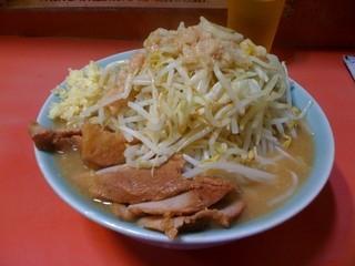 ラーメン二郎 歌舞伎町店 - 小豚、全部マシマシ