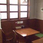吉良亭 - テーブル8席