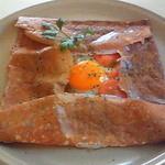 41873003 - 2010/9 初訪問時のハム・トマト・卵のガレット。当時は四角く折り畳んでありました。