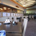 41875269 - 海幸は大きなレストランですね!席から館内を眺める