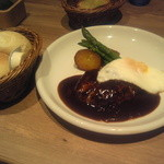 RICH - 料理写真:日替わりのハンバーグ