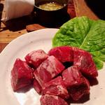 レトロ焼肉たろう食堂 - ヒレ肉/にんにくバターで(  ˋωˊ  )
