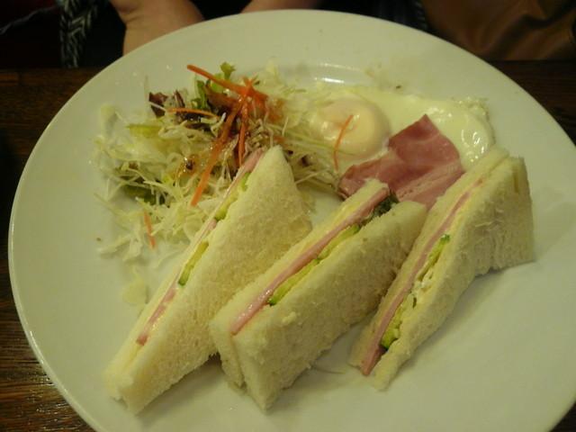 ツバイG線 - サンドイッチモーニング