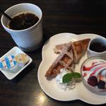 神戸珈琲倶楽部 - ランチのアイスコーヒー・プチドルチェ