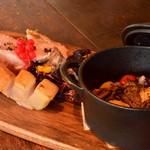 アナログ カフェ ラウンジ トーキョー - 岩中豚の燻製ステーキ