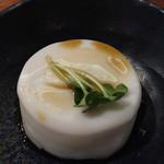 海鮮居食屋 活 - じーまーみ豆腐 350円