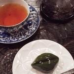 椿堂茶舗 茶房 竹聲 - 甘い香りの和紅茶と「茶の葉」