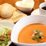 クイーンズ スープ カフェ - 料理写真:オマール海老の和ビスク