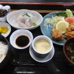 41895509 - お好み膳(白身刺身+鶏の唐揚げ)税別¥950