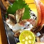 魚居酒家きまぐれ酒場 - 新さんま刺身