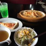 るーぱん - ドリアランチ 600円  に、ドリンクバー 100円  (税別) サラダ、ピザ、スープは、取り放題!