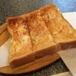 サボテン - 料理写真:バタートースト