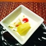 磯辺亭 - デザートのパンナコッタ✨       会席料理の締めくくりです(*^^*)